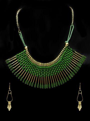 https://static2.cilory.com/103190-thickbox_default/ravishing-handicraft-hasli-with-earring.jpg