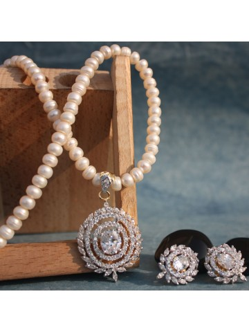 https://static3.cilory.com/15767-thickbox_default/full-moon-shape-ad-pendant-set-in-pearl-mala.jpg