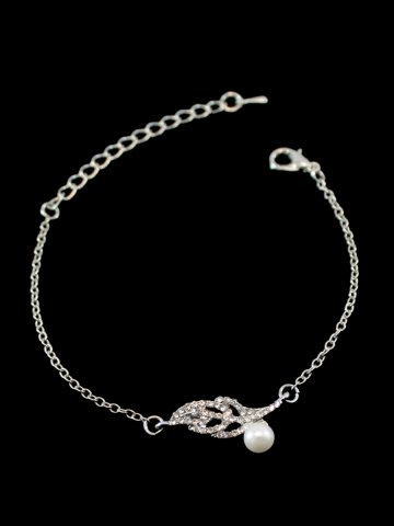 https://d38jde2cfwaolo.cloudfront.net/207673-thickbox_default/archies-womens-beautiful-bracelet.jpg