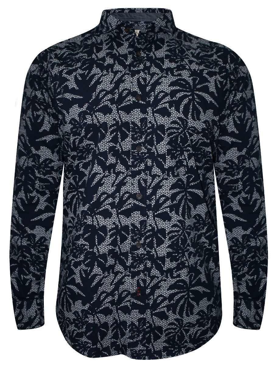 Men's printed shirts area key pieces in any wardrobe. Choose sophisticated paisley prints or sporty styles with camouflage or floral designs. Incorporate a printed shirt into your casual outfits and add a touch of class to your day to day.