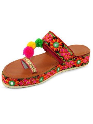 https://d38jde2cfwaolo.cloudfront.net/373927-thickbox_default/multicolored-embroidered-platforms-with-pom-pom.jpg
