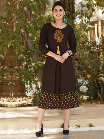 https://static2.cilory.com/392018-thickbox_default/coffee-rayon-pleated-kurti.jpg