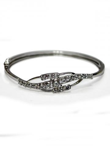 https://static6.cilory.com/73492-thickbox_default/archies-women-bracelet.jpg